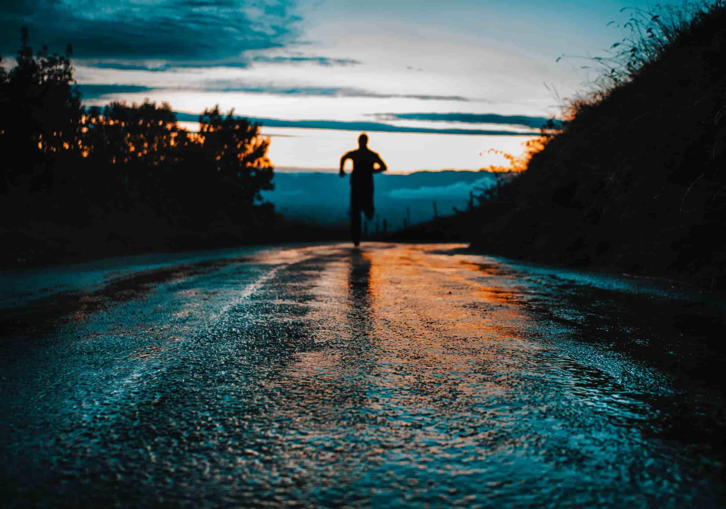 Correre con la pioggia: 4 incredibili effetti sul corpo